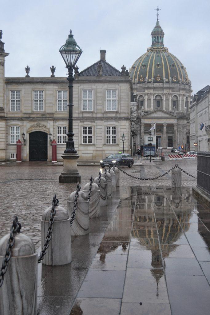 ¿que ver en Copenhague?Visitar el Palacio de Amelienborg