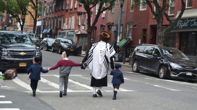 barrio de WILLIAMSBURG, NEW YORK. FAMILIA JUDIOS ULTRAORTODOXOS. Preparemos una visita al barrio de Brooklyn llamado Williamsburg. Un autentico barrio del mundo, con sus gentes y su religión.