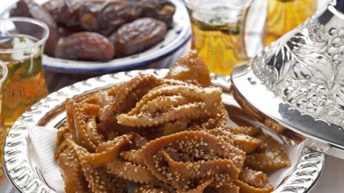 Descubre en ésta entrada los Platos típicos de MARRUECOS, ponte cómodo y disfruta de la gastronomía marroquí y árabe. Cuscus, el tajin, pastilla, harira, kefta, el zaalouk, el meshwi, dulces marroquis